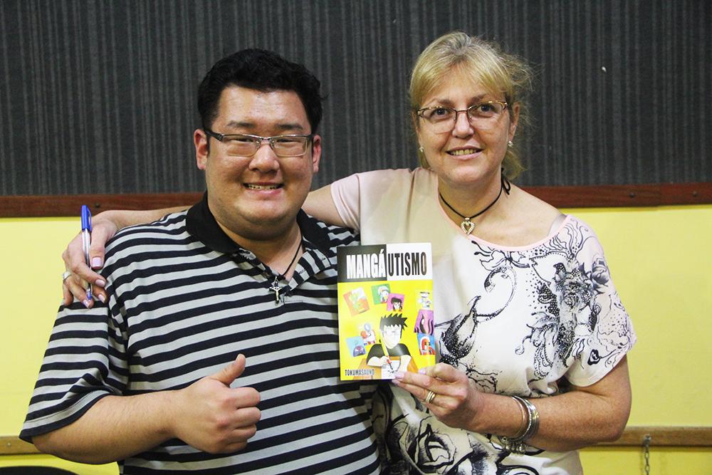 Autor do Mangá, Masato Uno, e a Diretora da Escola Dinéia Urbanek